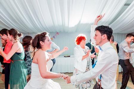 esküvőre zenekar esküvői partin